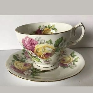 Queen Anne Manor Roses Teacup & Saucer